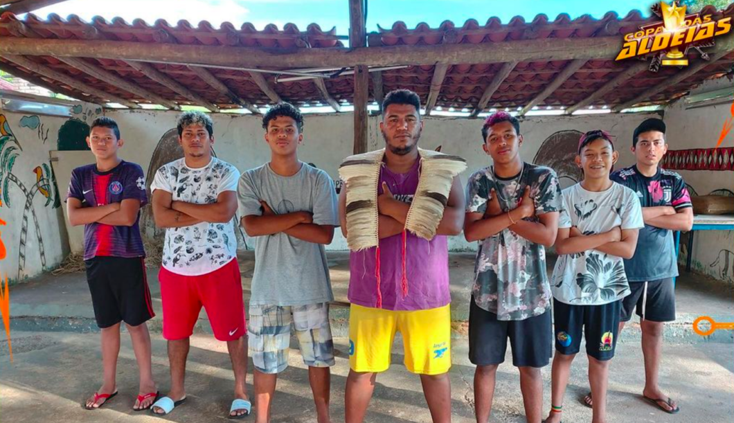 Parte da guilda Mafia TKG, participante do torneio, de etnias Terena e Tupi-Guarani, alguns dos participantes do torneio (Imagem: Reprodução)