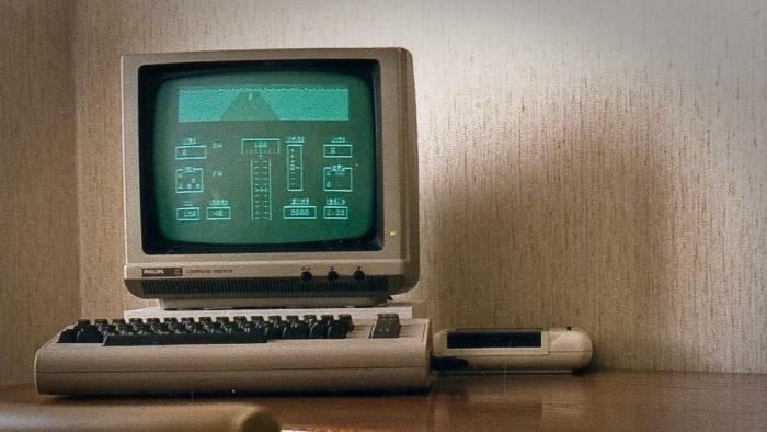 Com processador de 1 MHz, Commodore 64 demoraria 50 trilhões de anos para minerar 1 BTC (Imagem: Luca Boldrini/Flickr)