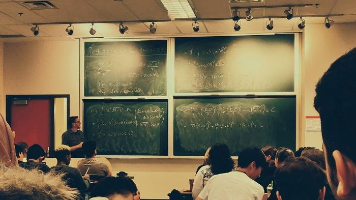 Como criar fórum no Google Classroom (Imagem: Shubham Sharan/Unsplash)