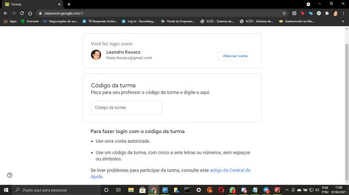 Entrando com o código da turma no Google Classroom (Imagem: Leandro Kovacs/Reprodução)