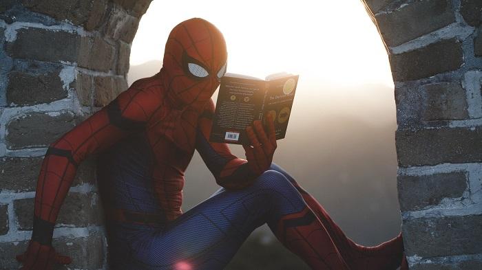 Homem Aranha: todos os filmes em ordem (Imagem: Road Trip With Raj/Unsplash)