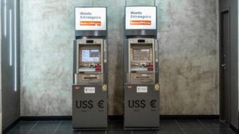 Saque em dólar e euro chega a caixas do Banco24Horas para clientes Itaú