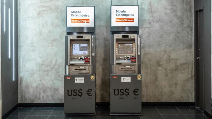 Caixa do Banco24Horas com saque em dólar ou euro (Imagem: divulgação/Banco24Horas)