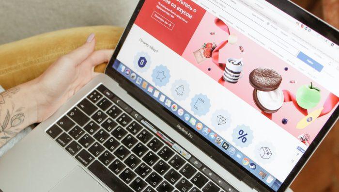 Como abrir uma loja e vender online no eBay (Polina Tankilevitch/Pexels)