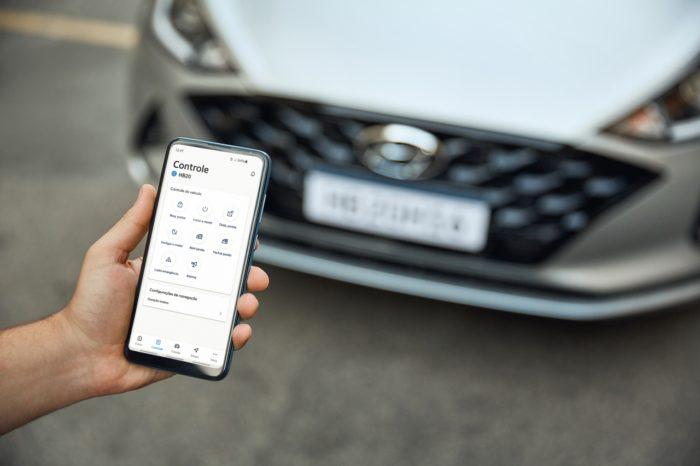 App para smartphone permite controlar carro à distância (Imagem: Reprodução/Hyundai)