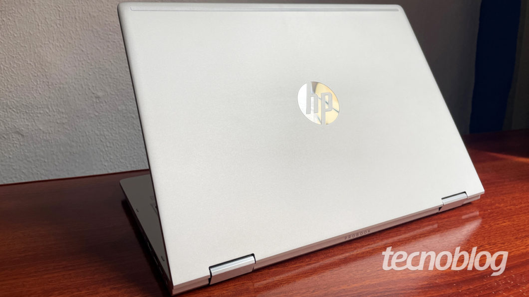O Probook X360 tem construção de alumínio (imagem: Emerson Alecrim/Tecnoblog)