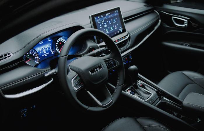 Interior do Novo Jeep Compass, que será lançado em maio de 2021 (Imagem: Divulgação/Stellantis)