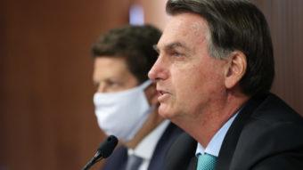 Bolsonaro veta punição a fake news ao revogar Lei de Segurança Nacional