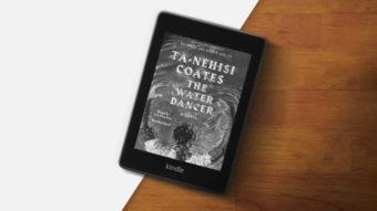 Amazon Kindle mostra capa de livro quando tela está bloqueada