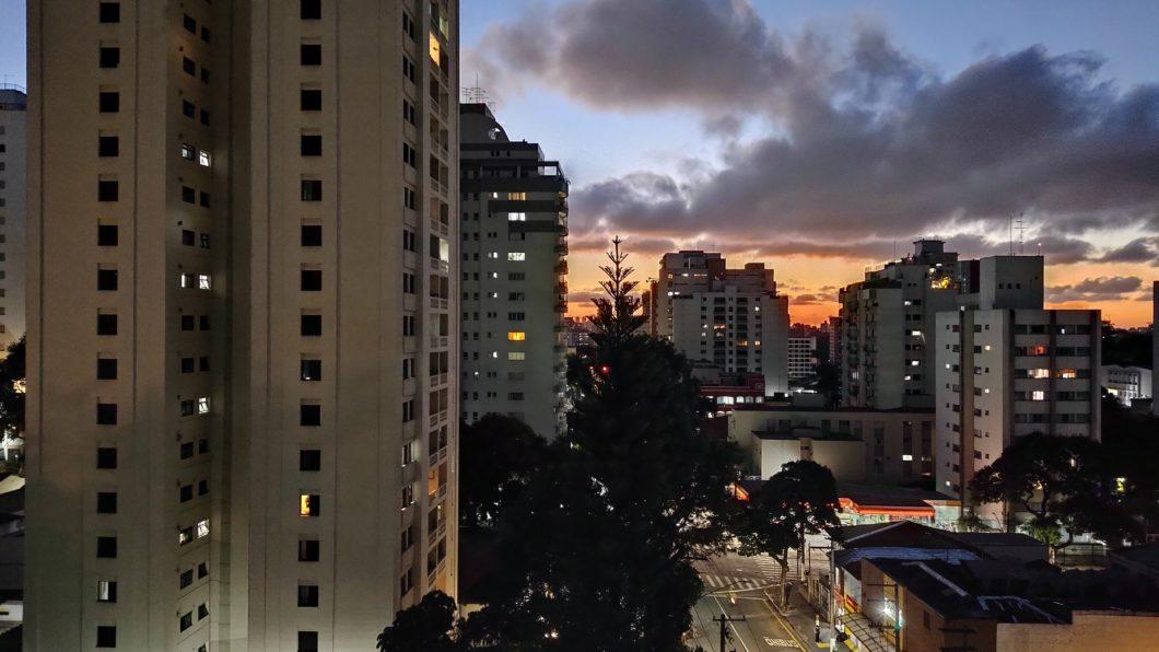 Photo taken with the Moto G100 rear camera in night mode (Image: Paulo Higa / Tecnoblog)