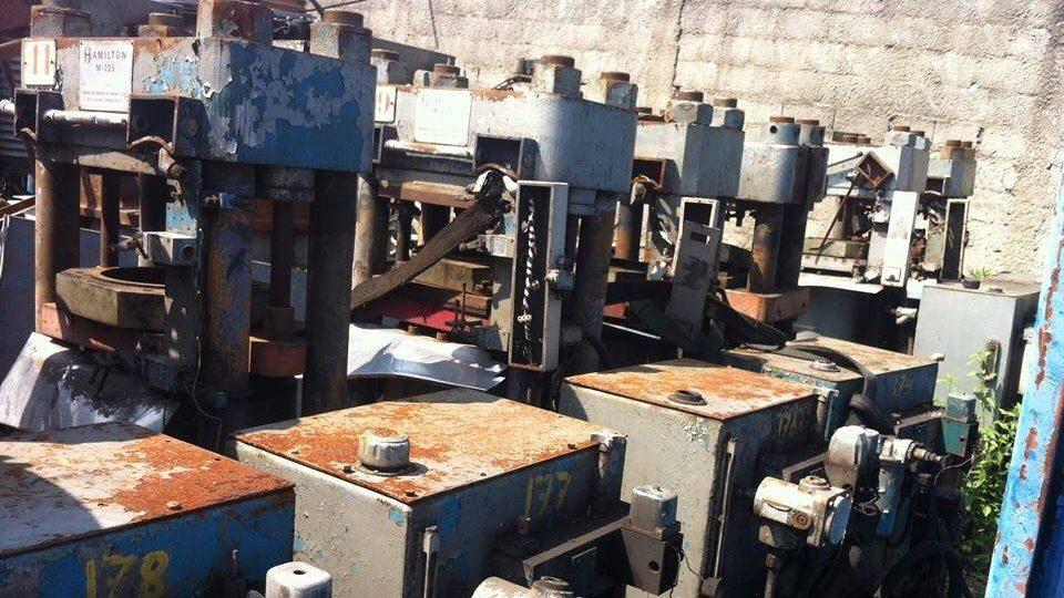 Prensas antigas achadas no lixo (Imagem: Vinil Brasil)