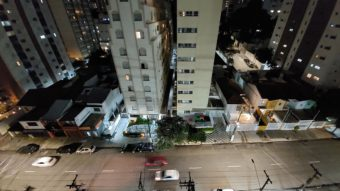 Foto tirada com a câmera traseira ultrawide do <a href='https://meuspy.com/tag/Espionar-Galaxy'>Galaxy</a> A52 em modo noturno (Imagem: Paulo Higa/Tecnoblog)