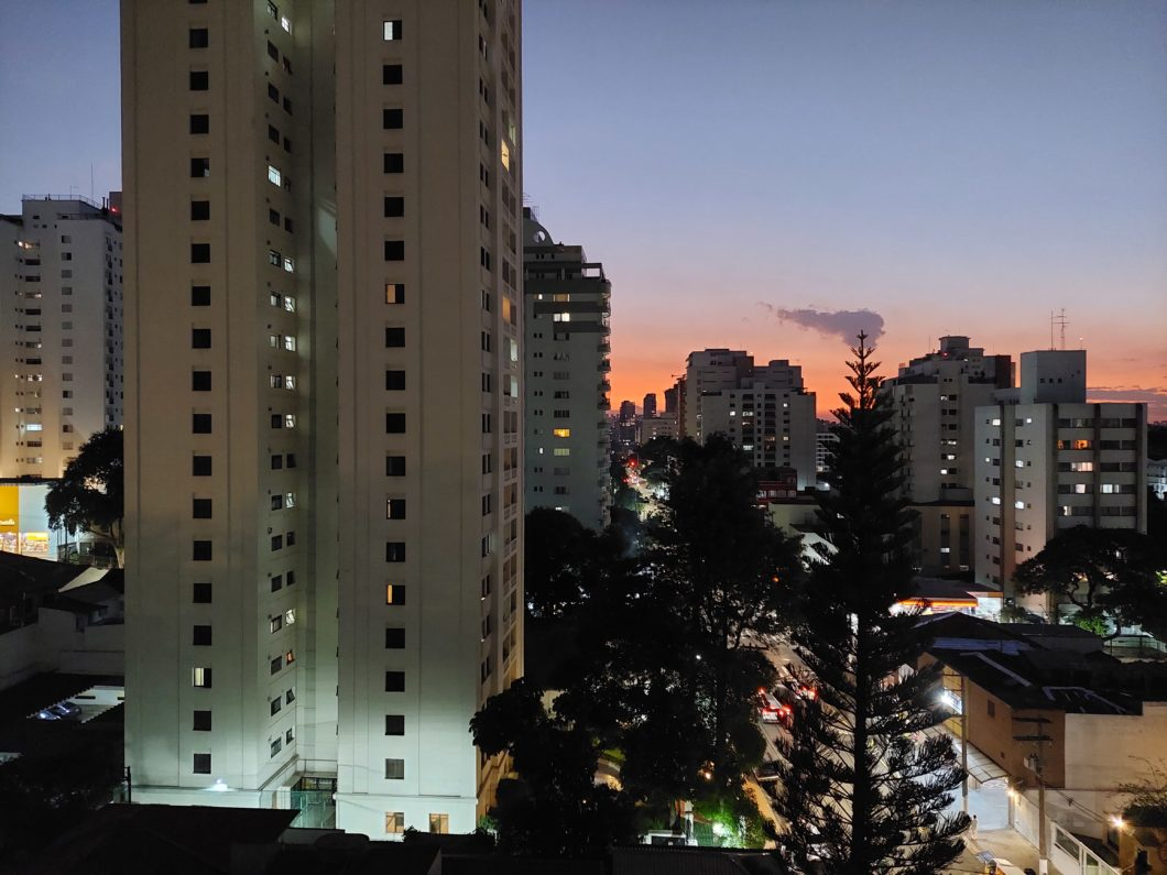 Foto tirada com a câmera traseira do Galaxy A52 em modo noturno (Imagem: Paulo Higa/Tecnoblog)