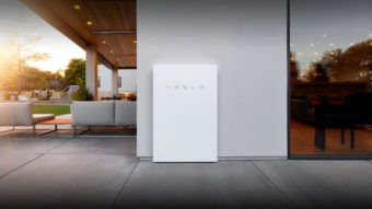 Elon Musk avisa que Tesla só venderá painéis solares com bateria Powerwall