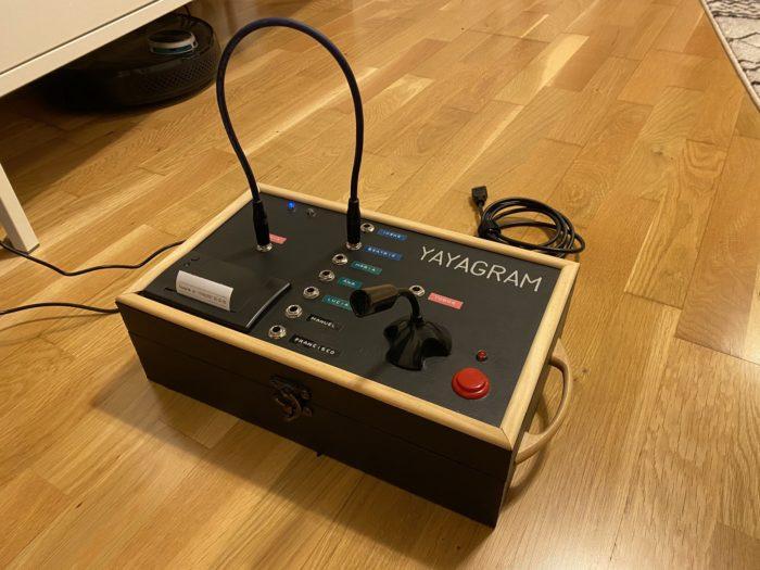 Yayagram, uma máquina que envia áudios e recebe mensagens do Telegram (Imagem: Reprodução/Manuel Lucio Dallo/Twitter)