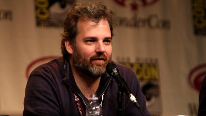 Dan Harmon, criador de Rick and Morty, fará nova animação com curadoria em blockchain e produtos NFT (Imagem: Gage Skidmore/Flickr)