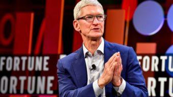 Tim Cook defende relação entre Apple e China que pode expor usuários