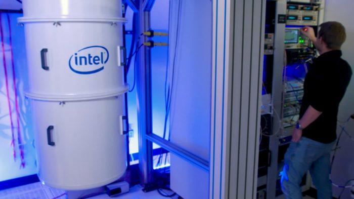Câmara de resfriamento para computação quântica (imagem: divulgação/Intel)