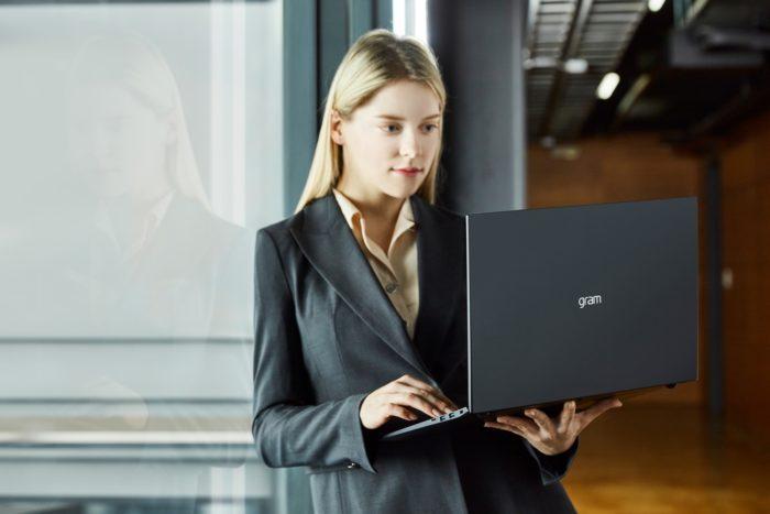 Notebook LG Gram Titanium (imagem: divulgação/LG)