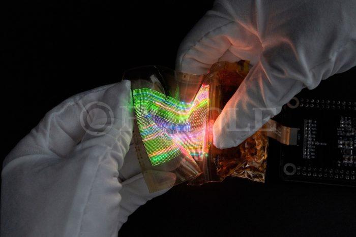 Royole revela nova tela flexível com microLED (Imagem: Divulgação/Royole)