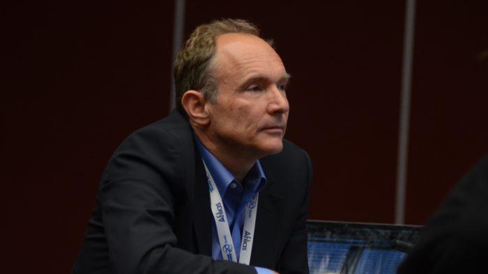 Tim Berners-Lee, inventor da World Wide Web (Imagem: Elon University/Flickr)