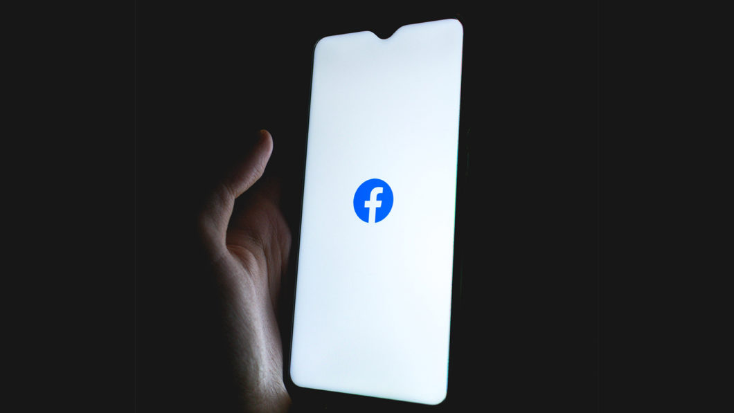App do Facebook (Imagem: Thomas Sokolowski/Unsplash)