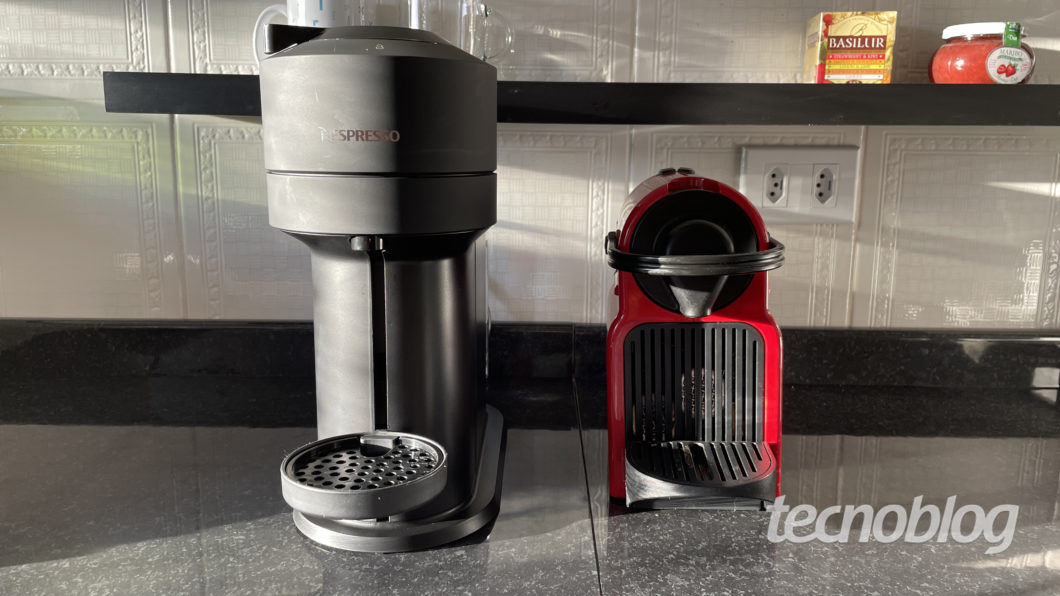 Nespresso Vertuo Next and Nespresso Inissia (Image: Darlan Helder/Tecnoblog)