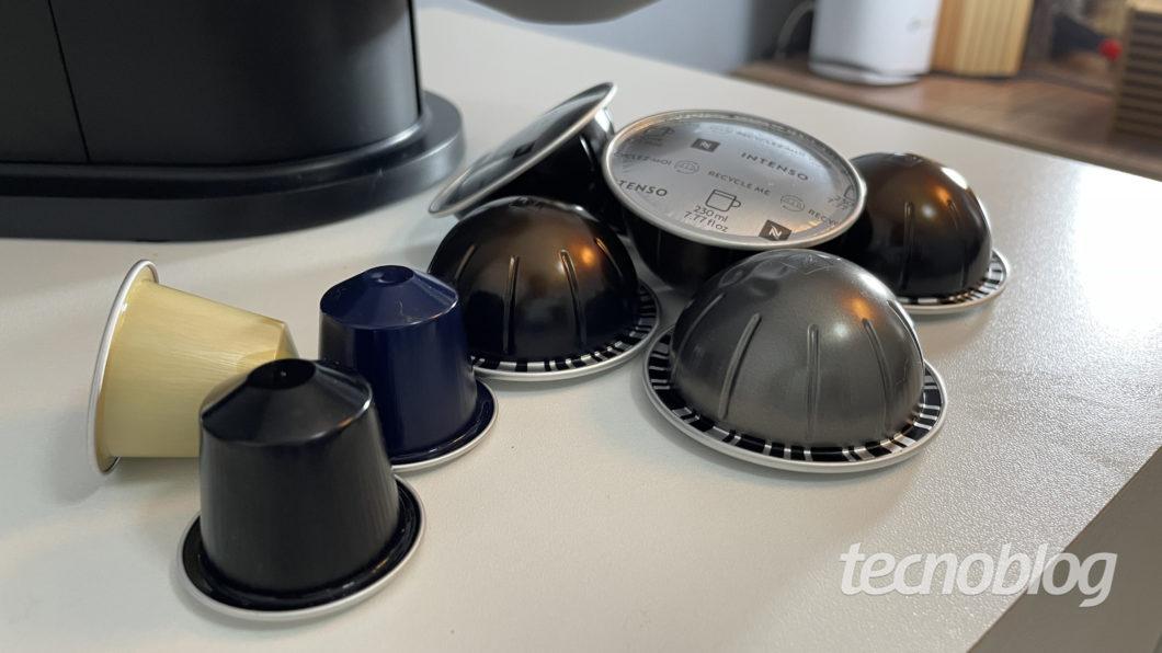 Capsules of the original line and Nespresso Vertuo Next (Image: Darlan Helder/Tecnoblog)