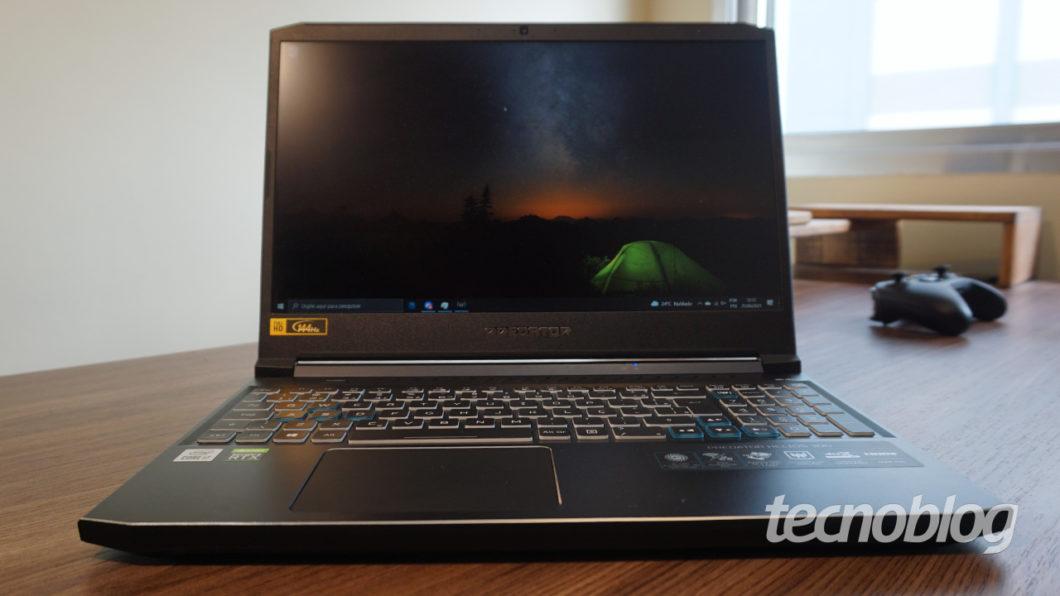 Acer Predator Helios 300 (Imagem: André Fogaça/Tecnoblog)