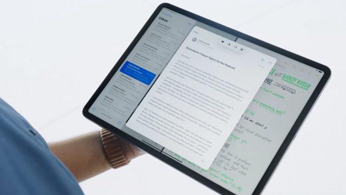 Apps abertos no iPadOS 15 (Imagem: Divulgação / Apple)