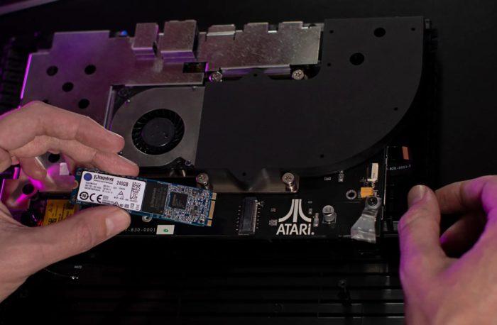 Atari VCS has SSD slot (Image: Disclosure/Atari)