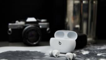 Apple vai lançar fones Beats Studio Buds com até 24h de autonomia no Brasil