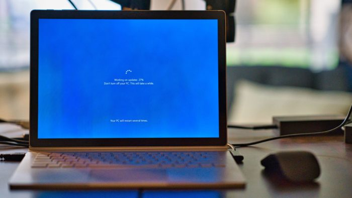 Se teve algum problema depois do update, veja como desinstalar uma atualização no Windows 10 (Imagem: Clint Patterson / Unsplash)