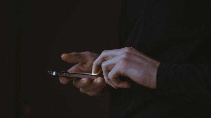 Quadrilha em SP furta celulares para roubar dinheiro de contas bancárias