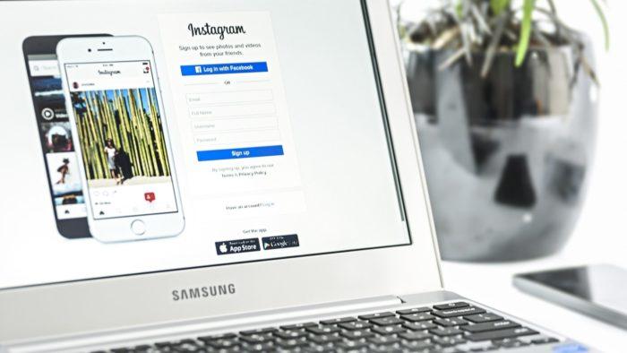 Instagram no computador (Imagem: Pixabay/PhotoMIX)