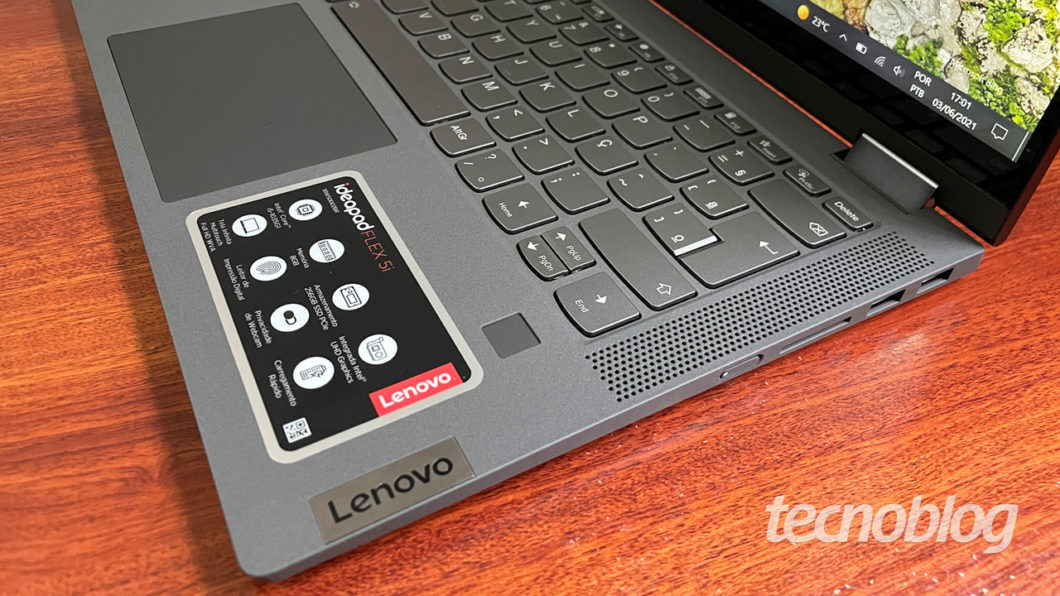 Sensor de digitais — o quadradinho abaixo do teclado — é quase um caminho sem volta (imagem: Emerson Alecrim/Tecnoblog)