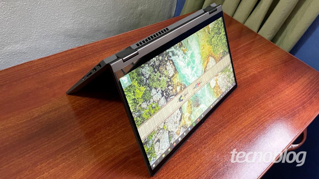 Lenovo Ideapad Flex 5i (imagem: Emerson Alecrim/Tecnoblog)