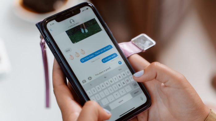 Veja como evitar que saibam que você leu as mensagens no iPhone (Imagem: Rodnae / Pexels)