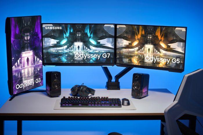 Monitores Odyssey G7, G5 e G3 com tela plana (imagem: divulgação/Samsung)