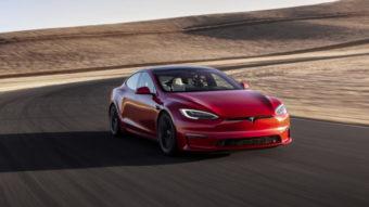 Tesla Model S Plaid, que atinge 100 km/h em dois segundos, chega aos clientes