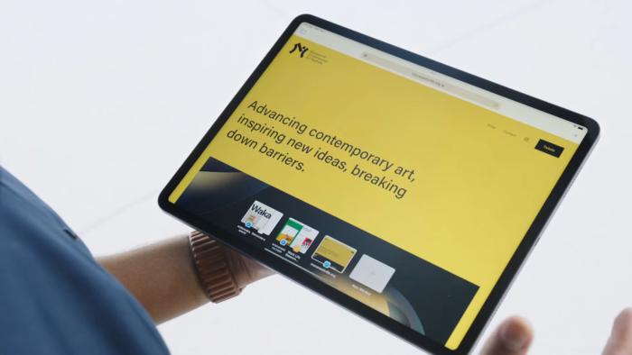 Prateleira com várias janelas no iPadOS 15 (Imagem: Reprodução/YouTube Apple)