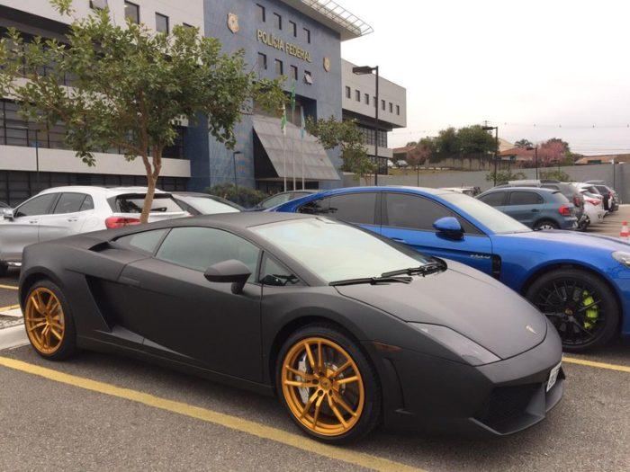 Lamborghini e outros carros de luxo foram apreendidos durante a operação Daemon (Imagem: Reprodução/Arquivo da Polícia Federal)
