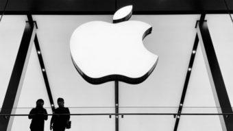 Apple tem receita recorde no 3º tri puxada por iPhone; serviços crescem 33%