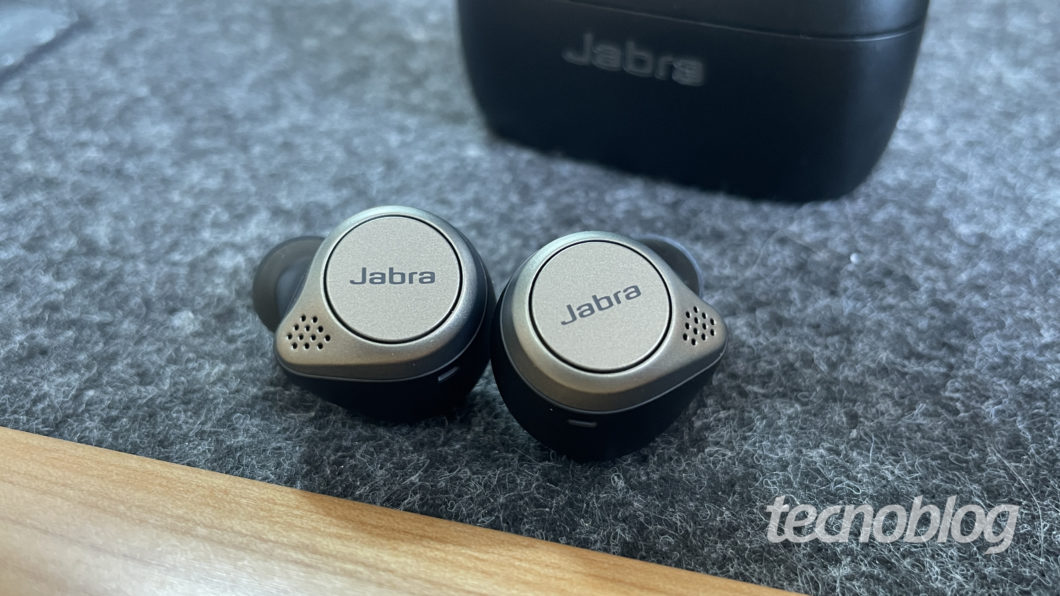 Jabra Elite 75t (Imagem: Darlan Helder/Tecnoblog)