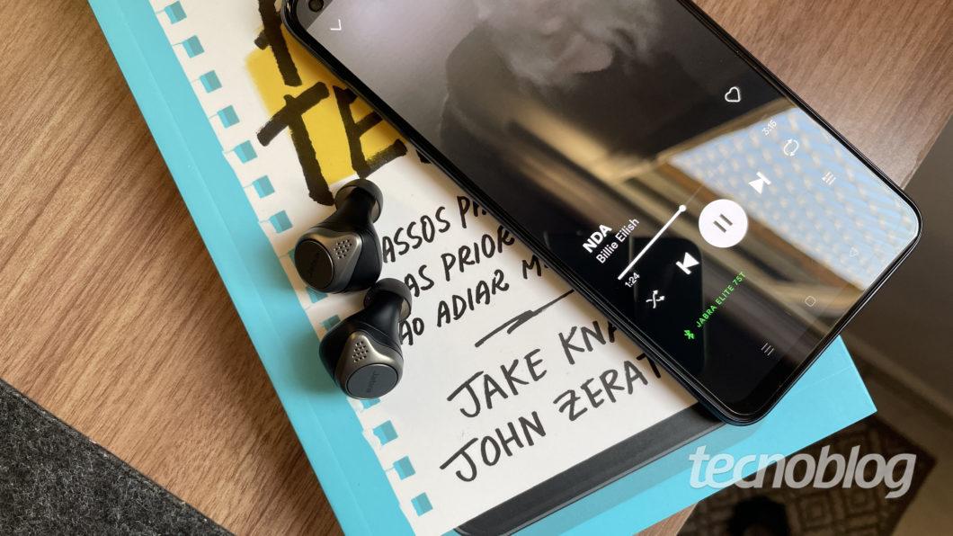 Jabra Elite 75t (Image: Darlan Helder/Tecnoblog)
