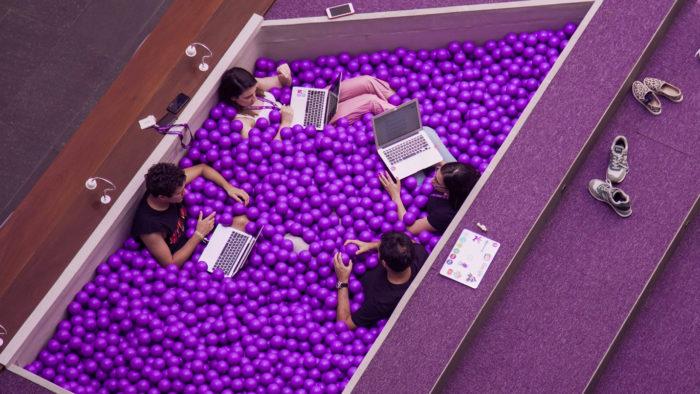 Nubank abriu 300 vagas para trabalho em escritórios da América Latina e na Alemanha (Imagem: Nubank/ Divulgação)