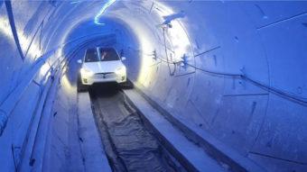 Empresa de Elon Musk propõe novo túnel para transporte em carros Tesla