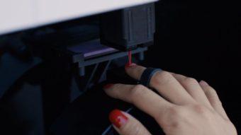 Robô-manicure faz sucesso com serviço mais rápido e barato que o tradicional