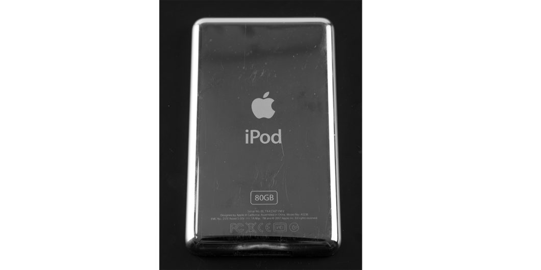 Mirrored back of iPod classic (Image: Raimond Spekking/ Wikimedia Commons)
