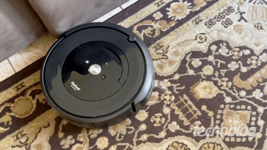iRobot Roomba e5 (Image: André Fogaça/Tecnoblog)